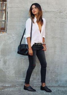 Weiße Bluse kombinieren: Lässig mit Jeans