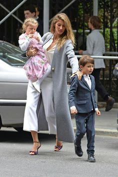 Gisele bundchen with her daughter vivian & son ben 2016