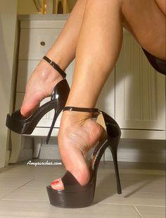 Sexy Legs And Heels, Hot High Heels, Leather High Heels, High Heels Stilettos, Beautiful High Heels, Stockings Heels, Women's Feet, Sensual, Stems