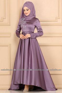 Frock Fashion, Abaya Fashion, Muslim Fashion, Fashion Dresses, Stylish Dress Designs, Stylish Dresses, Estilo Abaya, Wedding Frocks, Muslim Wedding Dresses