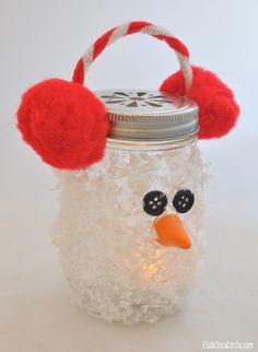 9 Cool Ways to Transform Mason Jars into Holiday Decor