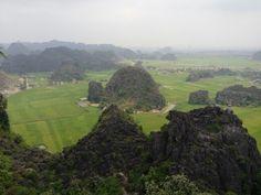 Vue depuis le haut de la Mua Cave, côté face. #Vietnam