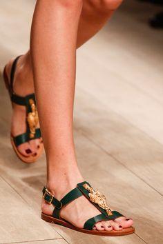 Valentino Spring 2014 RTW - #shoes #flats