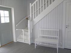 Förråd under trapp Cribs, Floor Plans, Stairs, Loft, Flooring, Bed, House, Furniture, Home Decor