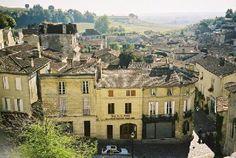 http://www.bordeaux-holiday-rentals.com/images/slideshows/st%20emilion/st%20emilion%20(3).jpg