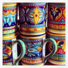 Antico Geometrico mugs are Italian pottery for anyone who loves vibrant colors. They come from Deruta, a town famous for its Italian ceramics. Italian Pottery, Ceramic Pots, Painted Ornaments, Pottery Painting, Hand Painted Ceramics, Mugs, Dining Decor, Kitchen Dining, Indian Art