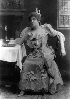 """American opera singer Nellie Melba, for whom the famous french chef Escoffier created the Melba Peach (""""Pêche Melba"""") in 1893."""