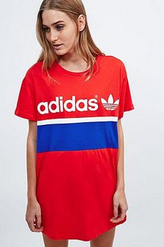"adidas – T-Shirt-Kleid ""City"" in Rot"