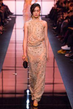 Sfilata Giorgio Armani Privé Parigi - Alta Moda Primavera Estate 2017 - Vogue