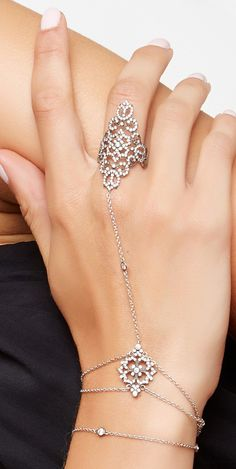 Crystal hand chain                                                       …