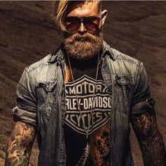 #bearded #urbanbeardsman #beardedgentlemen #mensgrooming #themanclub #oldschool #menswear #lifestyle