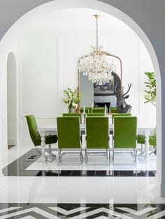 Spring Colour Trends At Your Dining Room Style Dining Room Design, Dining Room Chairs, Dining Rooms, Dinning Table, Office Chairs, European Home Decor, My New Room, Elle Decor, Cheap Home Decor