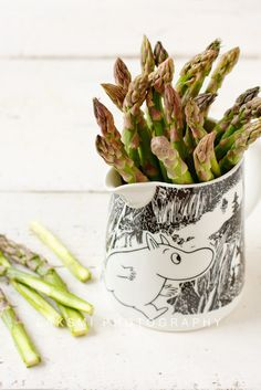 i'll take the asparagus you can have the moomin jug Detox Recipes, Healthy Recipes, Allergy Shots, Tove Jansson, Food Humor, Brown Paper, House In The Woods, Moomin Valley, Beautiful Day