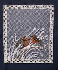 VÁNOČNÍ KRAJINA (paličkovaná krajka) Lace Heart, Lace Jewelry, Lace Making, Bobbin Lace, Lace Detail, Kultura, Butterfly, Painting, Animals
