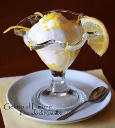 Fresco, dissetante, profumatissimo Gelato al Limone, assaporando in qualunque…