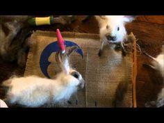 How to Needle Felt: Basket Bunny 3 by Sarafina Fiber Art Cómo fieltro de la aguja: Cesta Conejito 3 por Sarafina Fiber Art