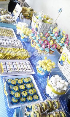 minion candy table | minions candy buffet Minion Party Theme, Despicable Me Party, Minion Birthday, Boy Birthday, Minion Baby Shower, Baby Shower Gifts, Rainbow Candy Buffet, Candy Table, Dessert Table Birthday