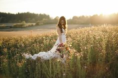 Selva Floral Design // Sarah Blasi // Portland, OR Outdoor Wedding Pictures, Outdoor Wedding Shoes, Wedding Dresses Photos, Green Wedding Shoes, Wedding Ideas, Wedding Trends, Wedding Blog, Wedding Planning, Bridal Photoshoot