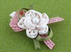 DIY Crafts : DIY make fabric flower hair clips tied with ribbons