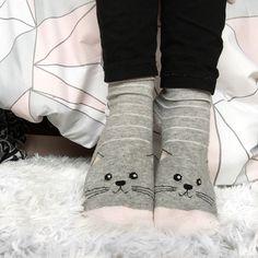 Aimez-vous mes baaaaas de chaaaaat?🐱 Leg Warmers, Gloves, Legs, Instagram, Winter, Fashion, Leg Warmers Outfit, Winter Season, Moda