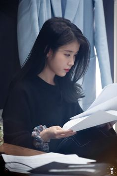 Korean Actresses, Korean Actors, Korean Celebrities, Celebs, Iu Twitter, Korean Girl, Asian Girl, Snsd, Iu Fashion