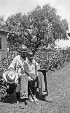 Vintage Photos: Born in Slavery African American Slavery, African Americans, Texas History, World History, American Photo, Black History Facts, Black Families, African American History, Vintage Pictures
