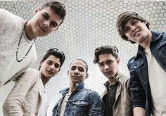 Ahhhh!!! I love them so much!!! Cnco Richard, Memes Cnco, Am I In Love, Disney Music, Reasons To Live, Latin Music, Find Picture, Funny Me, Twenty One Pilots