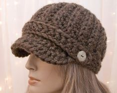 Items similar to Crochet Newsboy Hat - Wool Newsboy - Wood - Brown - Made to Order on Etsy Crochet Newsboy Hat, Crochet Adult Hat, Knit Or Crochet, Learn To Crochet, Cute Crochet, Crochet Crafts, Yarn Crafts, Crochet Projects, Cotton Crochet