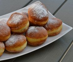 Gogosi pufoase - Rețete Papa Bun Hamburger, Bread, Food, Eten, Hamburgers, Bakeries, Meals, Breads, Loose Meat Sandwiches
