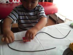 電車のひも通し   手作りおもちゃで子育て Plastic Cutting Board