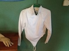 @fencinguniverse : FENCING JACKET GLOVE AND HELMET SIZE L  $20.49 (2 Bids) End Date: Saturday Sep-26-2015 1 http://aafa.me/1MFOILU http://aafa.me/1KMOCQd