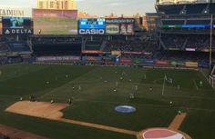 El reencuentro entre Puyol y David Villa - Carles Puyol publicó una imagen en las redes sociales del estadio Yankee Stadium en el partido entre el New York City y el New England disputado el d...