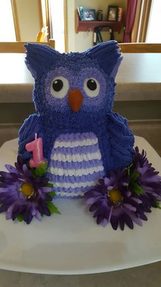 Owl Cake Use the Wilton panda bear mold for this cake Then shave