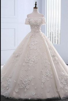 Wedding Dresses For Cheap Lace White Wedding Dresses Wedding Dresses Lace White Prom Dresses Custom Made Wedding Dresses Prom Dresses Long Lace Wedding Dress With Sleeves, Long Wedding Dresses, Bridal Dresses, Wedding Gowns, Prom Dresses, Backless Wedding, Dress Prom, Reception Dresses, Ball Gowns