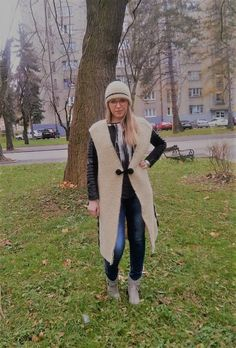 Beige Knitted Long Vest Wool by LLCozyCorner on Etsy Light Spring, Spring And Fall, Long Vests, Fall Jackets, Black Accents, Keep Warm, Winter Coat, Trendy Fashion, Cozy Corner