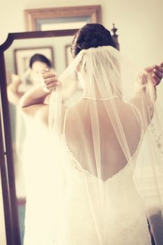 Getting ready. // Photo by Sarah M. #weddingphotographersmn #weddingphotography #gettingready #weddingveil