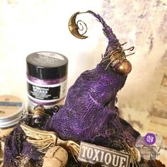 The spookiest pimpkin made with finnebair moulds and sparks acrylic paint. from Brand Ambassador Reniferove. You can find her at @reniferove Click to check out our products and find a retailer near you! #primamarketinginc #createwithprima #PrimaMarketing #Prima #Flowers #scrapbook #mixedmedia #art #embellishment #Finnabair #scrapbooking #artist #design