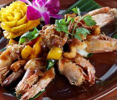 Prawns in 3 spices with cashew nuts. Great Thai food by the sea!