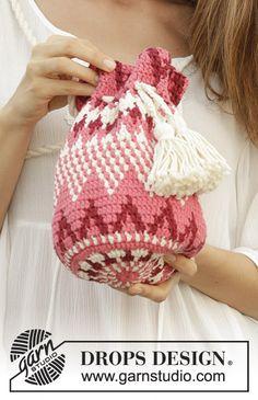 Hush Hush - free crochet bag pattern by DROPS design Design bags Hush Hush / DROPS - Free crochet patterns by DROPS Design Beau Crochet, Free Crochet Bag, Crochet Shell Stitch, Crochet Purses, Crochet Hats, Crochet Handbags, Tapestry Crochet Patterns, Knitting Patterns Free, Free Knitting