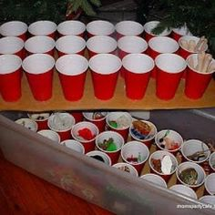 Keep ornaments and other small Xmas items safe - red solo cups! 150 Dollar Store Organizing Ideas and Projects for the Entire Home - Page 10 of 15 - DIY & Crafts Christmas Hacks, Noel Christmas, Christmas And New Year, All Things Christmas, Winter Christmas, Christmas Ornaments, Christmas Storage, Holiday Storage, Christmas Bingo