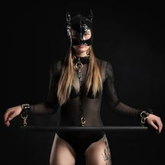 King Kong 1933, Leather Handcuffs, Spreader Bar, Bar Set, Shades Of Black, Natural Leather, Submissive, Sexy Outfits, Kinky