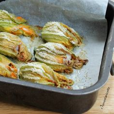 Raccolta di Ricette con Fiori di zucca | Inventaricette, In cucina con Maria Veggie Side Dishes, Vegetable Dishes, Wine Recipes, Cooking Recipes, Healthy Cooking, Healthy Recipes, Food Humor, Fruit And Veg, Summer Recipes