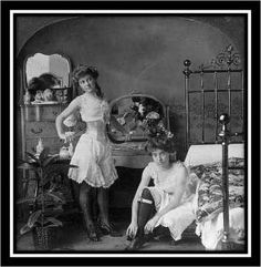 old west saloon girls, The raciest picture ever to appear on Sempringham. Vintage Pictures, Old Pictures, Old Photos, Album Photos, Edwardian Era, Victorian Era, Victorian Women, Victorian Bedroom, Victorian London