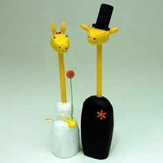 giraffe wedding cake toppers from bunnywithatoolbelt.com