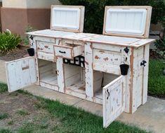 Upcycled-Rustic-Custom-Wood-Coolers-2.jpg (650×522)