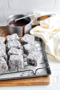An easy and delicious recipe for lamingtons using real chocolate, perfect for serving on Australia Day or for school bake sales. Australian Desserts, Australian Food, Australian Recipes, Australian Lamington Recipe, Easy Desserts, Delicious Desserts, Yummy Food, Awesome Desserts, Awesome Cakes