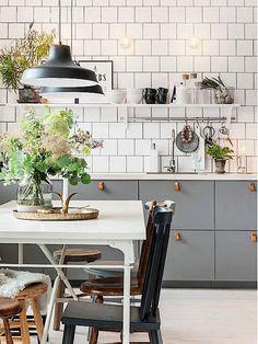 Küche mit offenen Regalen dekorieren