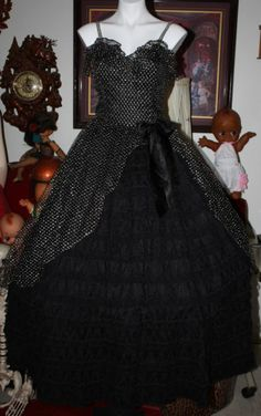 fba557ccdd347 Vintage 80 s prom party dress gown black lots of lace layers long loralie