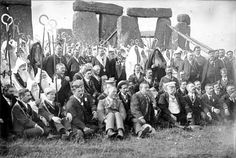 """Stonehenge, Amesbury, """"The Ancient Order of Druids"""" within the stones, including noble Arches, initiates and officers Stonehenge History, Old Egypt, English Heritage, Historical Photos, Arches, Archaeology, Pagan, Old Photos, Mystic"""