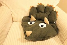 This Anti-Pill Fleece Dinosaur Blanket will keep your toes warm and your kids entertained. The Dinosaur paws and tail fold up into the pillow pocket to create a pillow! Dinosaur Videos, Dinosaur Facts, Dinosaur Dig, Dinosaur Pictures, Dinosaur Nursery, Dinosaur Toys, Prehistoric Dinosaurs, Prehistoric Creatures, Dinosaur Books For Kids